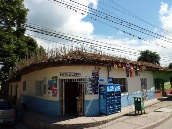 Comayagua, Honduras : nice roof!