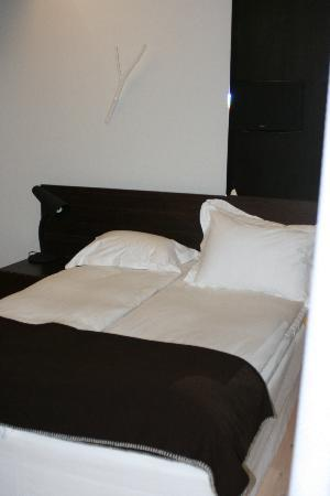 Hotel Skeppsholmen: Good sized double bed