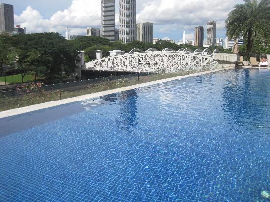 View Of Cavanaugh Bridge From The Infinity Pool Picture Of The Fullerton Hotel Singapore