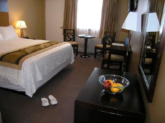SKKY Hotel: Balcony Room