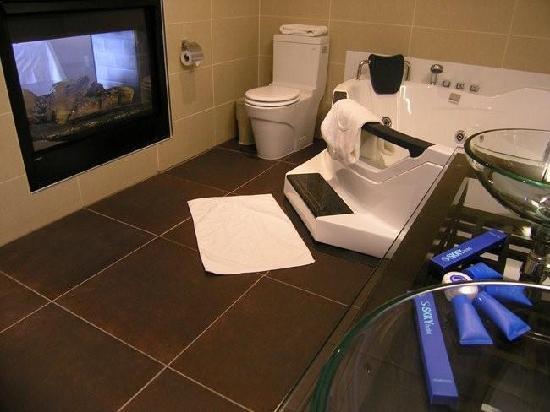 SKKY Hotel: Presidential Suite Bathroom