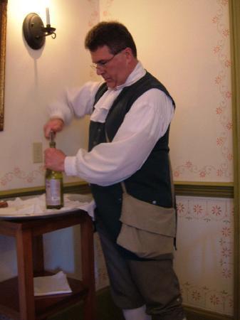 George Mann Tory Tavern: Wait staff