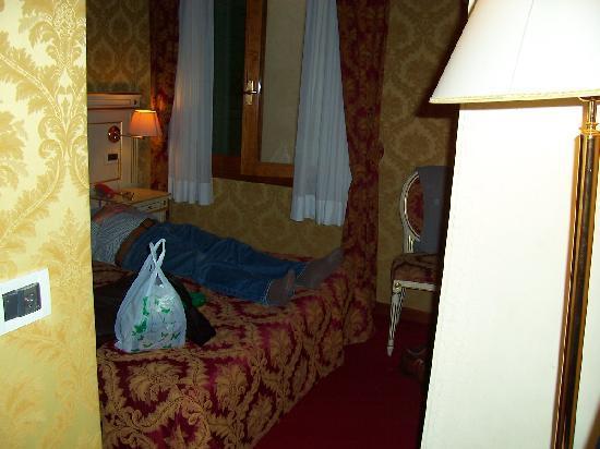 Casa Arte: room number 8