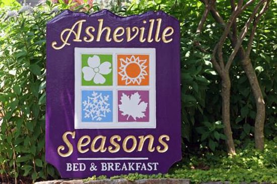 Asheville Seasons Bed and Breakfast: Asheville Seasons Bed & Breakfast, Asheville NC