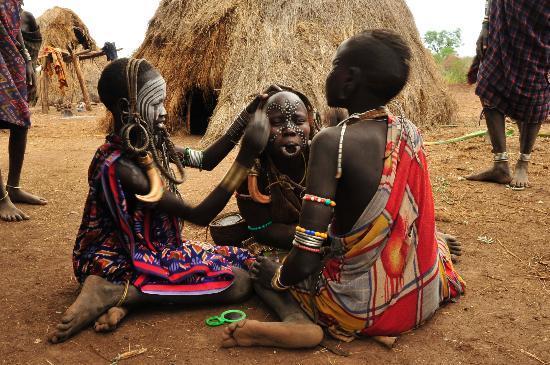 Jinka, เอธิโอเปีย: Face Painting