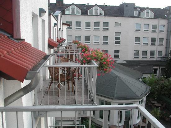 Arosa Hotel: Side view from my room