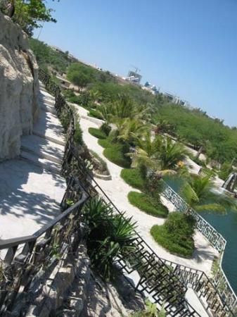 Kish Island, Iran: محوطه هتل داریوش Darius Hotel