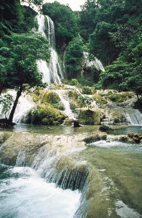 Mele Cascades: Mle Cascades Waterfall