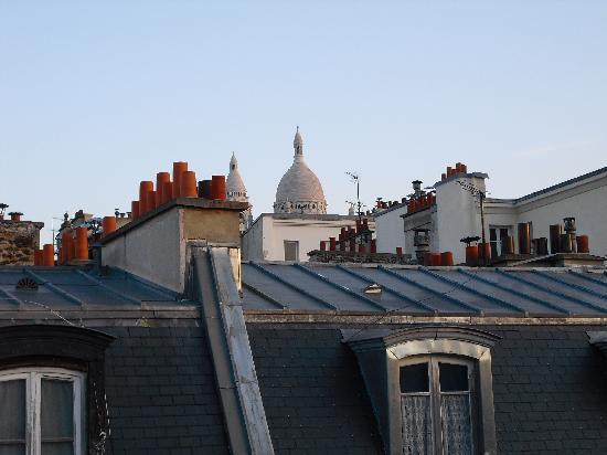 Hotel Andre Gill: Vista al sagrado corazon desde la habitacion del ultimo piso