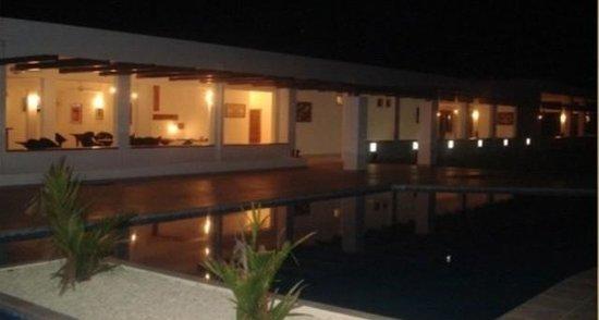 Hotel Vista Lago Ecoresort: La romanticissima piscina in notturna