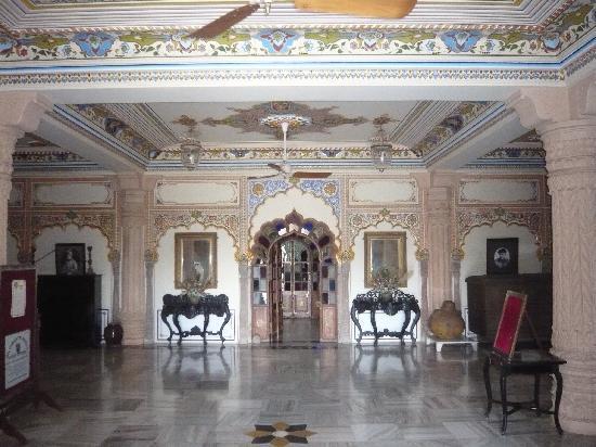 Jagat Palace: Sala d'ingresso al palazzo