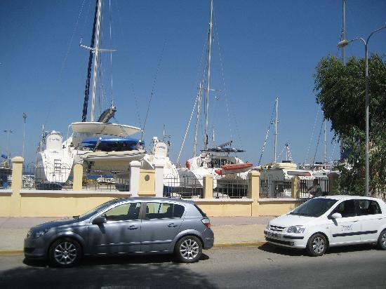 Galaxy Hotel: Kos smallship harpour
