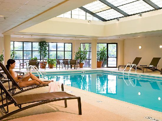 Pool Picture Of Crowne Plaza Hotel Fairfield Fairfield Tripadvisor