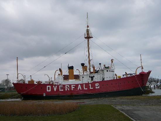 Lightship Overfalls: Lighship Overfalls in Lewes, DE