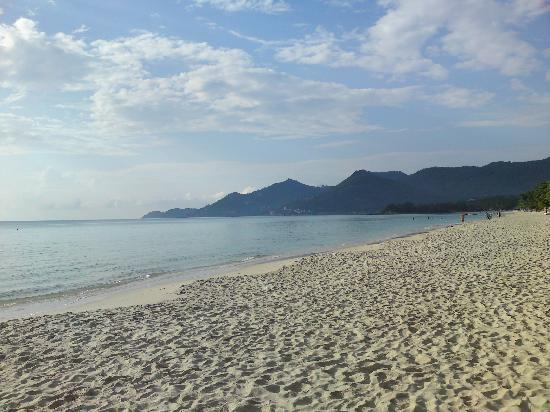 Tradewinds by Lawana : The lovely beach