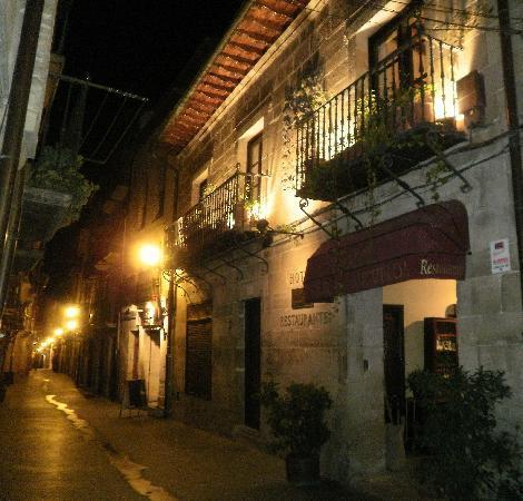 Laguardia, Spanien: Fachada calle Mayor