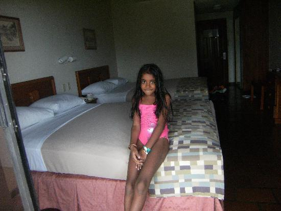 Grafton Beach Resort: bedroom  shammia singh