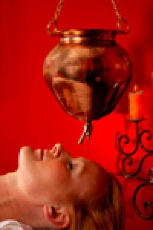 Healing Hands Massage and Ayurvedic Spa : shirodhara