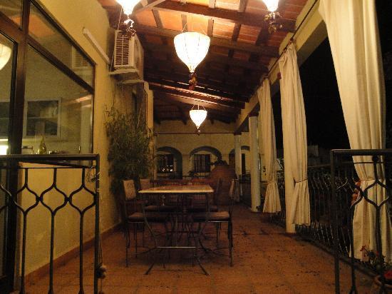 Bo Hotel de Encanto & Spa: veranda met uitzicht over de tin