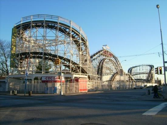 Coney Island USA: CONEY ISLAND 1ER PARC D'ATTRACTION DES USA