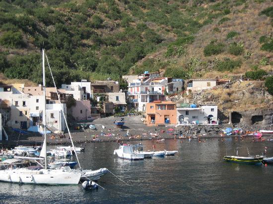 La Praia di Rinella: view from the boat to Rinella, the B&B is right in the center