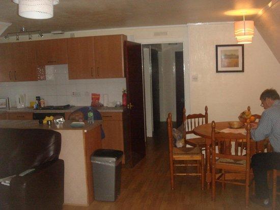kitchen area lodge 26
