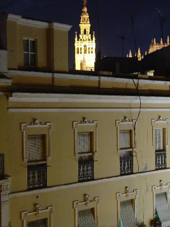 Arfe Apartments: window view - Arfe 4