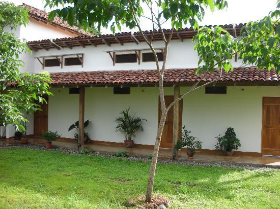 La Rosa de Los Vientos: Rear of hotel
