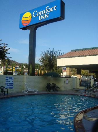 Comfort Inn Near Old Town Pasadena - Eagle Rock: la piscina dell'hotel