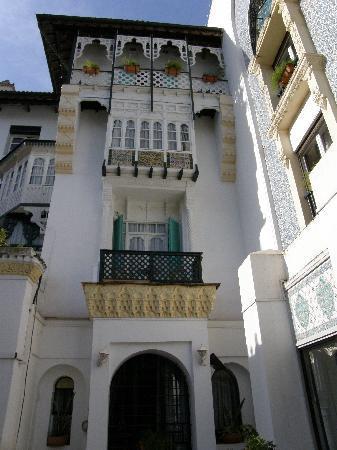 Hotel Saint George El Djazair : Hotel El Djazair facing the garden