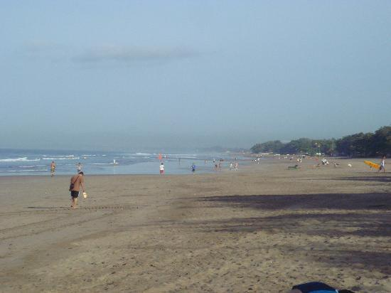 The Camakila Legian Bali: The beach area in front of the hotel. Less croweded than Kuta area