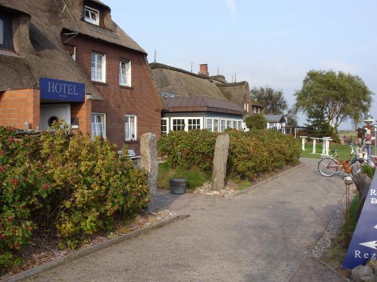 Hotel Arlau-Schleuse: Der Weg zum Haus
