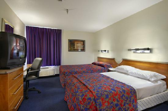 Red Roof Inn Jackson : 2 full size bed rooms