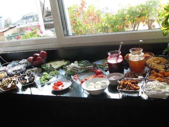 Mevlana Hotel: breakfast