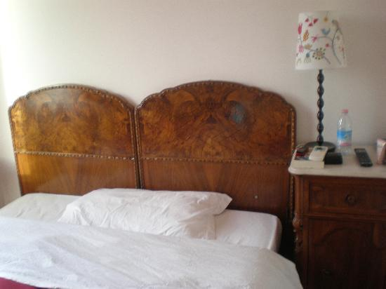 Sonnino Suite B&B : large bed