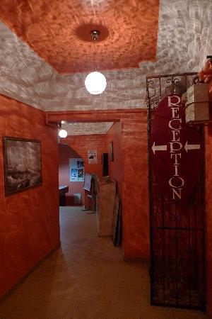 Sultan Hostel: Entrance