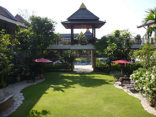 Mae Jo Golf Resort & Spa: Gardens