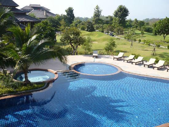 Mae Jo Golf Resort & Spa: Superb pool