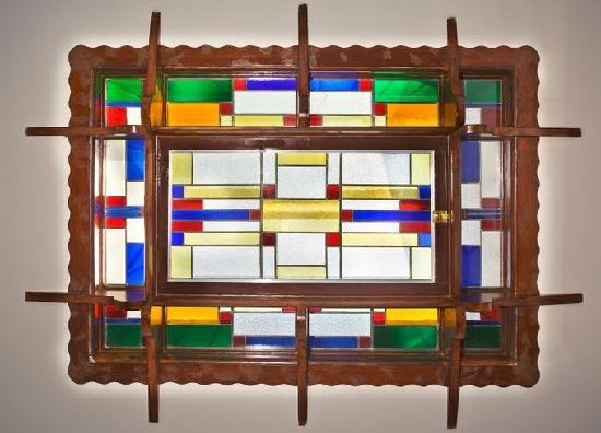 Heemskerk Suites- Adults only: Stained glass detail