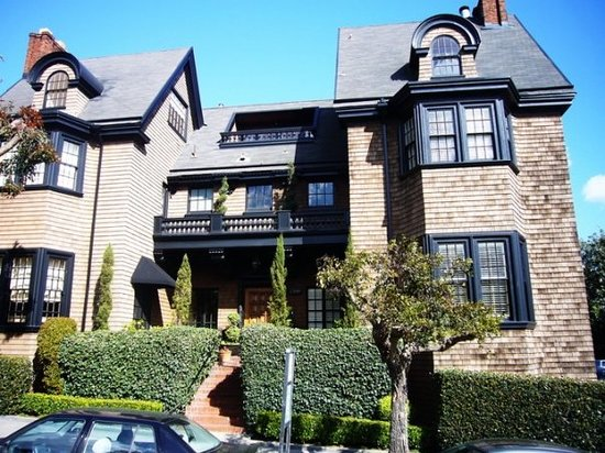 Pacific Heights is touted as being one of the most affluent areas in San Francisco