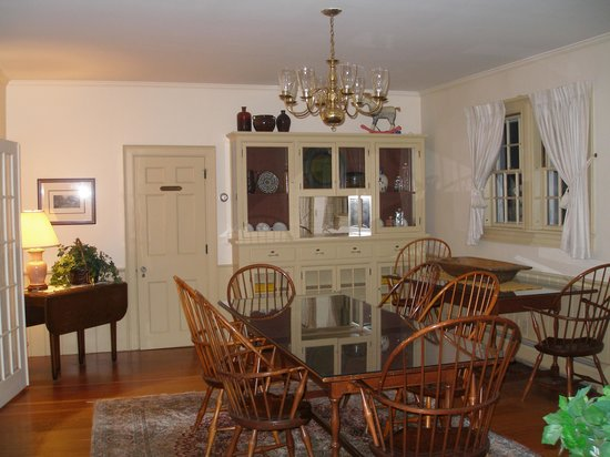 The Inn at Montpelier: communcal recreation room