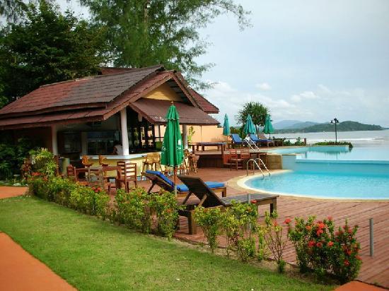 Twin Bay Resort Hotel - room photo 3069060
