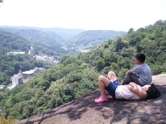 Gifu Prefecture, Japón: なぞの巨岩郡より眼下を望む