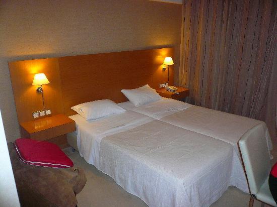 Deves Hotel: room