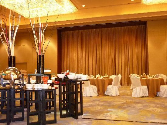 โรงแรมแมนดาริน ออร์ชาร์ด: sala per la colazione