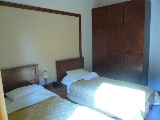 Niki Beach Hotel : room