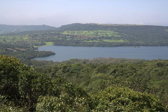 Hotel Sagar Deluxe: The Kaas Lake