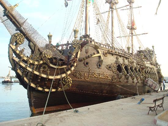 Bateau pirate escapades picture of seabel alhambra - Image bateau pirate ...