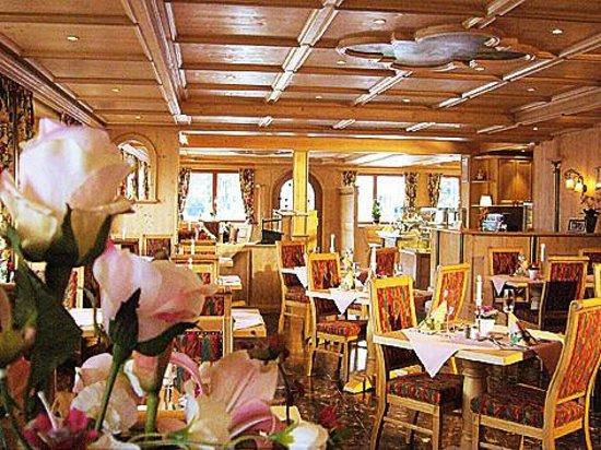 Hotel am Kureck: Frühstücksraum im Hotel am Tegernsee
