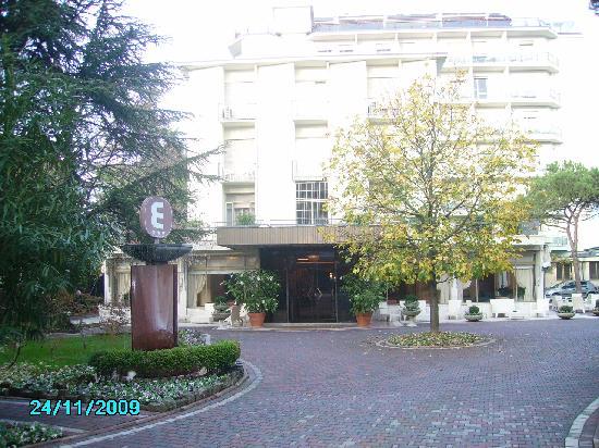 Hotel Eliseo Terme: L'Eliseo visto dall'esterno.